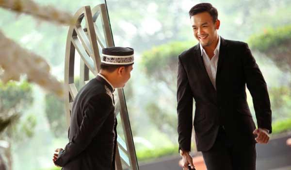 concierge welcoming customer